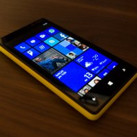Nokia Lumia 820 / yellow